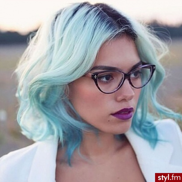 Choose the Best Color For Your Square Cup New Hairstyle Trends