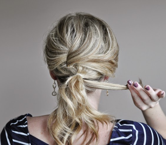 A pretty hairstyle for spring New - quick and easy hairstyle New Hairstyle Trends