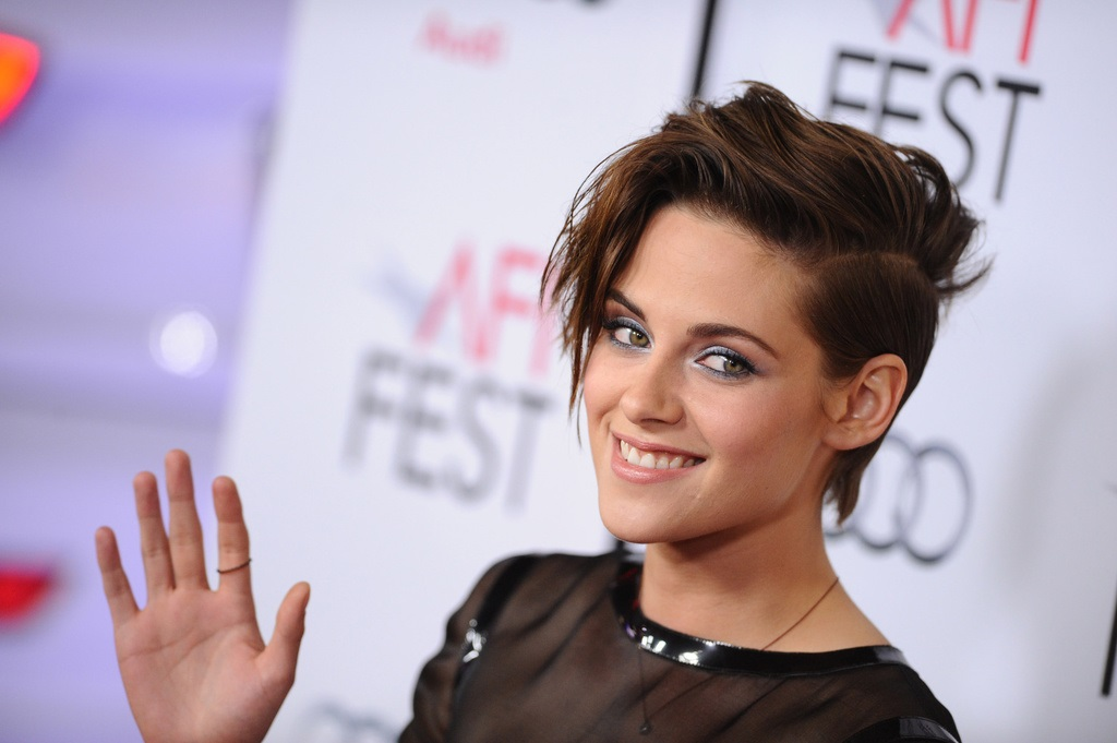 Kristen Stewart Completely Changes Hair Color and Cut: Impressive Cut! Hair Cut Trends