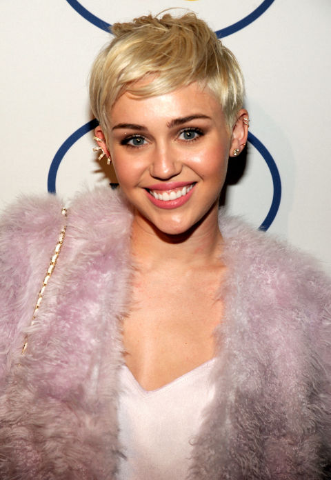 The year of New is The Year of Short Cups: Proof in Picture! Hair Color Ideas