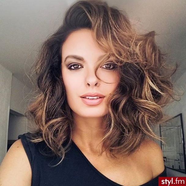 Mid-Length Hair: The Perfect Choice For Summer Hair Cut Trends