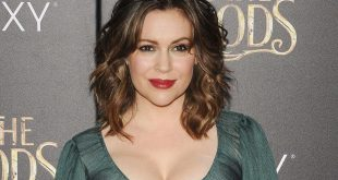Alyssa Milano Completely Changes Head And Opts For A Fabulous Short Cut! Hair Cut Trends