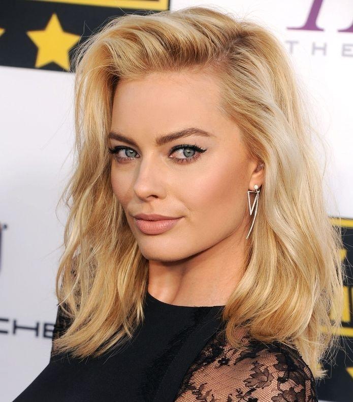 Trendy medium hair: best models New Hairdressing Medium Hairstyles
