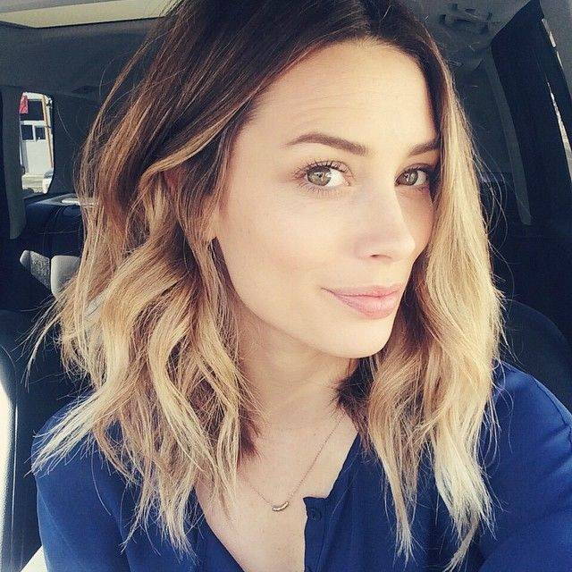 30 Mid-Length Hair Styles to Stitch in New New Hairstyle Trends