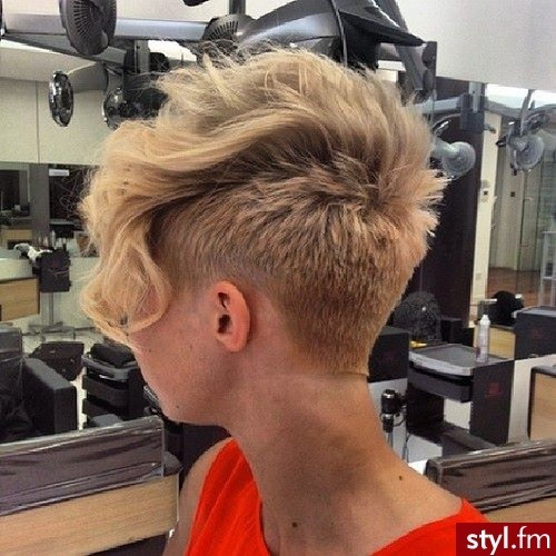 Here are some beautiful Fall / Winter Trendy Short Cups New Hair Cut Trends