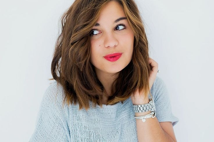 Beautiful mid-length hair models cuts and colors summer New Hairdressing Medium Hairstyles