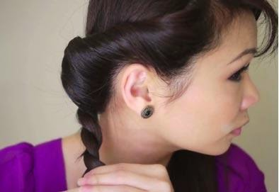 A beautiful hairstyle for evening end of New - 2 Christmas Night Hairstyles